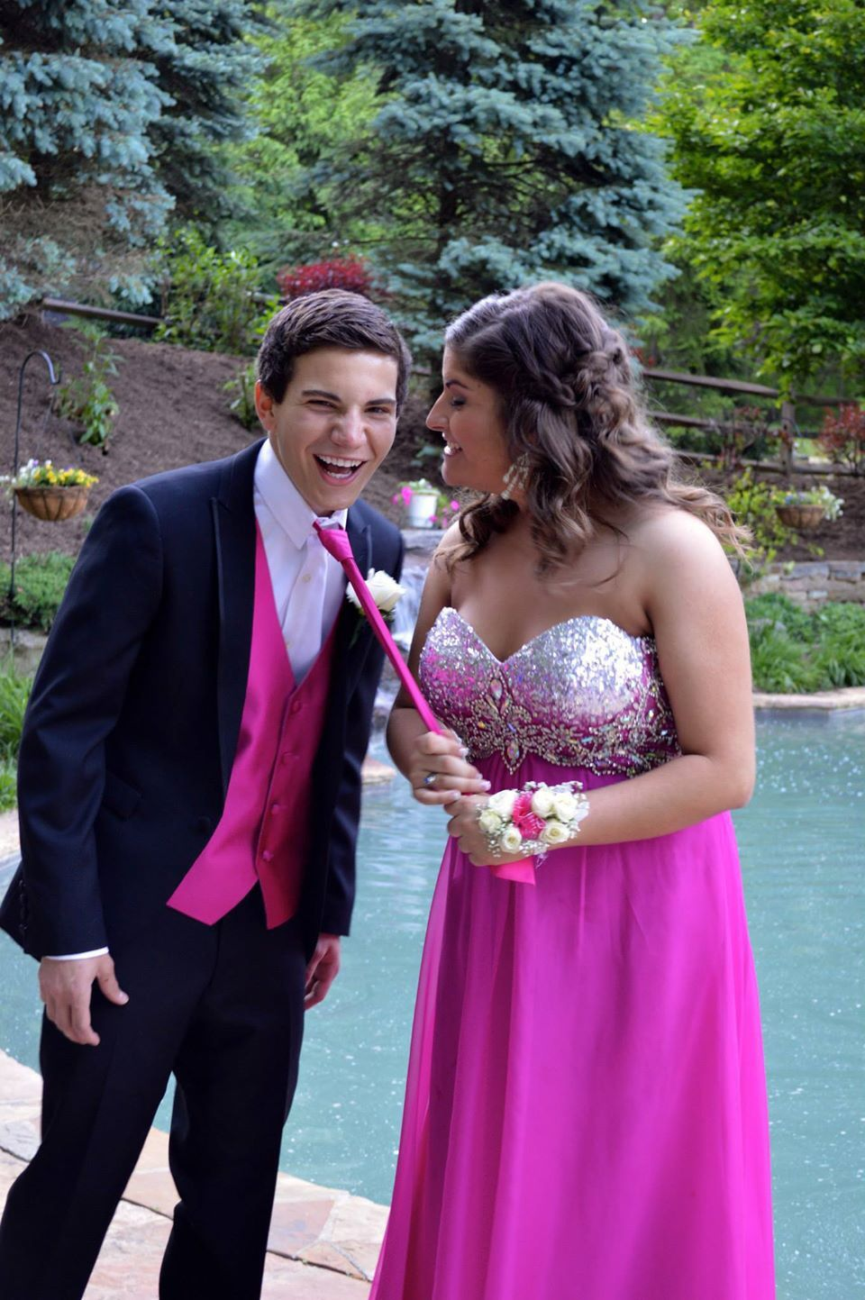 Funny prom picture (prom, date, pink, funny, laugh, best