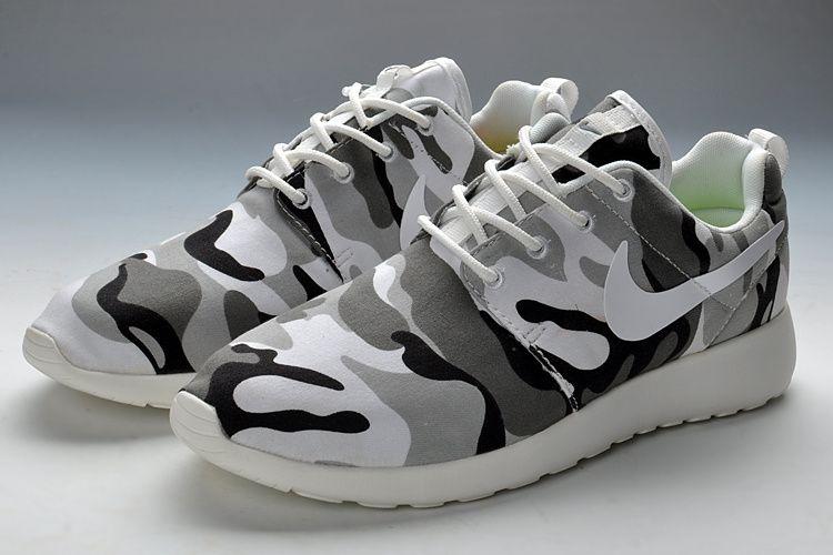 Nike Kaishi Course Des Femmes De Chaussures De Course Des Vêtements De Camouflage Noir Et Blanc