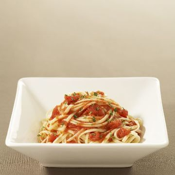 Simple Linguine With Tomato Sauce Recipe With Images Vegetarian Recipes Recipes How To Cook Pasta