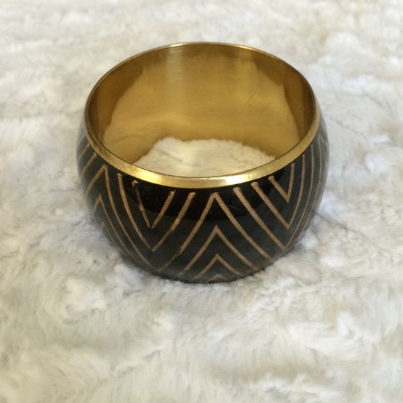 Chunky black and gold statement bracelet Fun black and gold bracelet with a zig zag design. Jewelry Bracelets