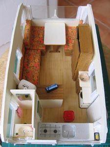 petite caravane miniature pinterest petite caravane caravane et maison barbie. Black Bedroom Furniture Sets. Home Design Ideas
