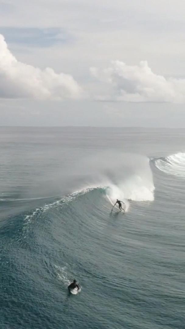 World Surfaris Maldives Jesse Little 2017 Full Edit On Nobodysurf Com Sexysurfers Surfing Waves Surfing Waves