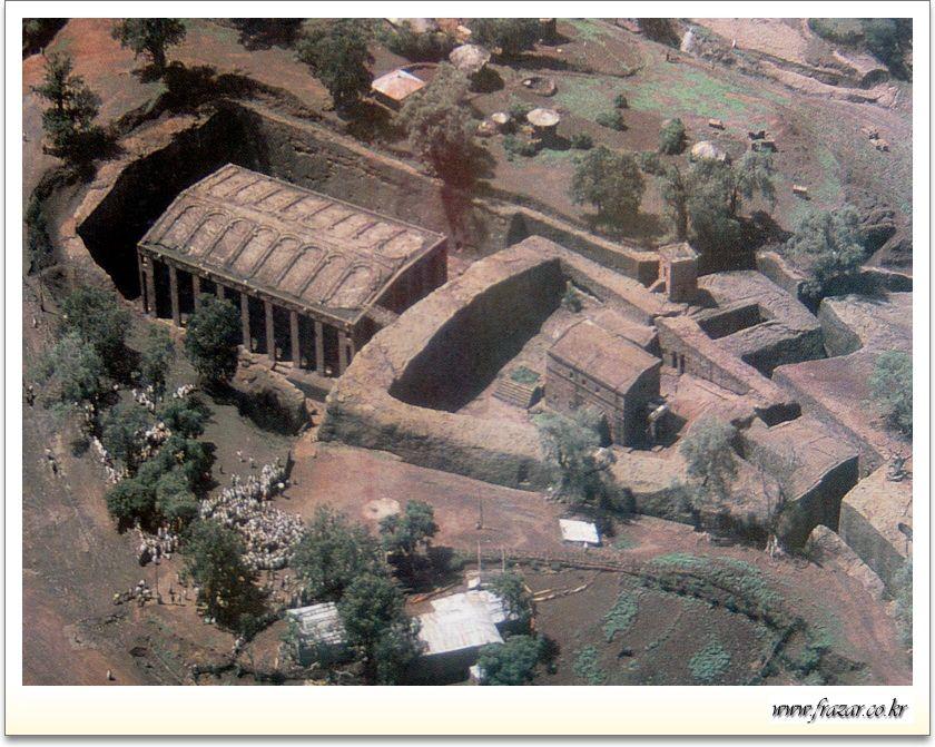 Bete medhane alem lalibela ethiopia architecture