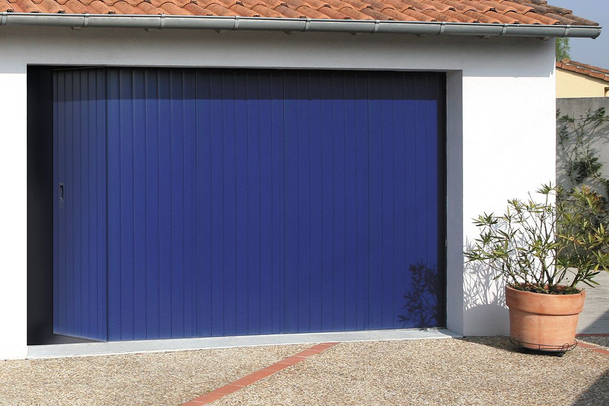 Gamme Prestige Modele Islande Option Portillon Volet Garage Doors Garage Et Doors