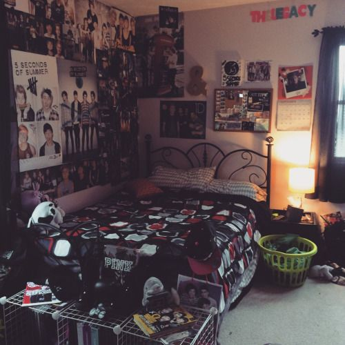 "Home Quirks Differences In Decorating By Gender An: Ally's Bedroom ""Let's Hope Calum Isn't Creeped Out While I"