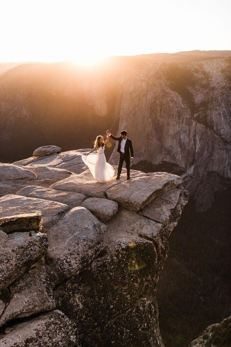 Timeless wedding photography pictures - attain majestic tips from the photo summary. #weddingphotographytips