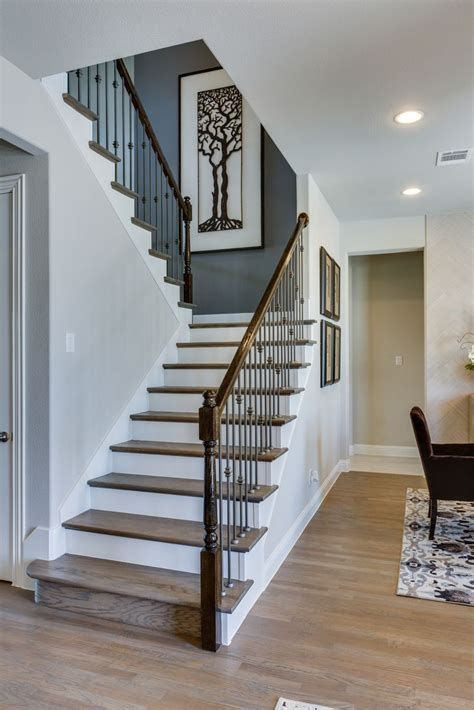 Unique Stairwell Wall Decorating Ideas, Best 25 Stairway ...