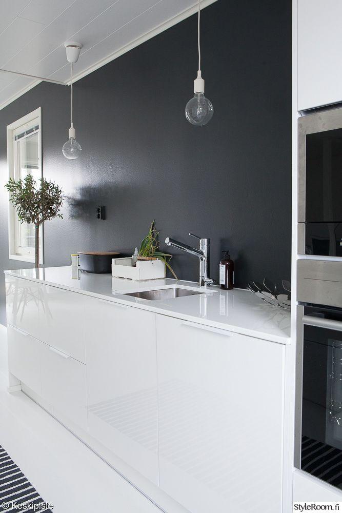 mustavalkoinen keittiö,keittiö,valkoinen keittiö,muuto,yksityiskohtia