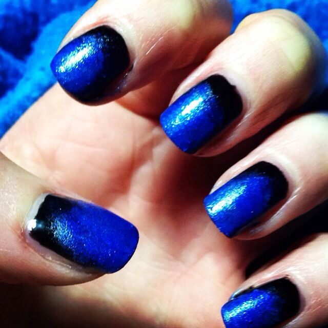Blue and black ombré nail design
