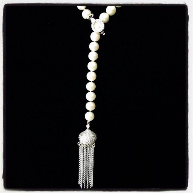Rosary necklace from white pearls with silver clasp 119€