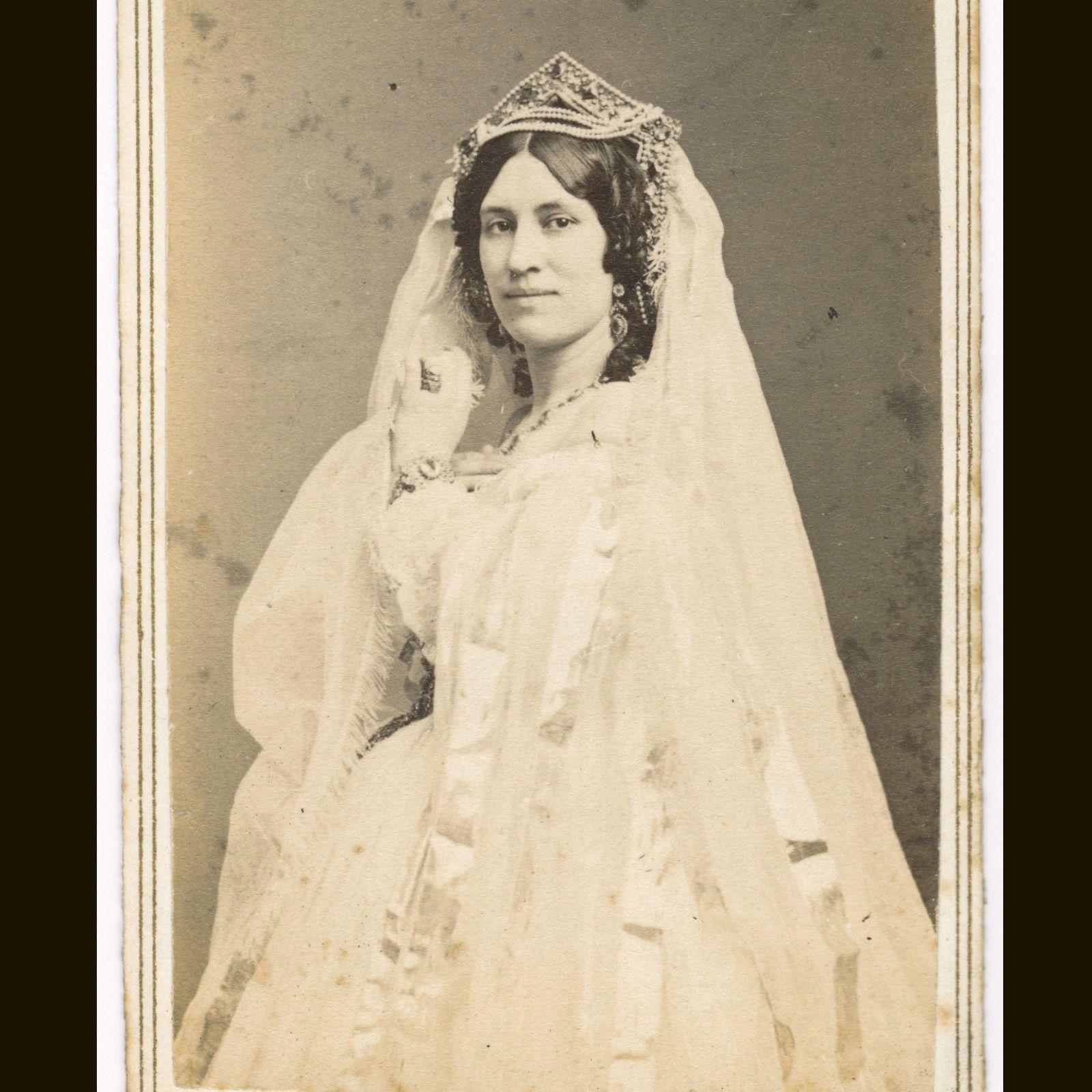 Stunning bride s wedding vintage wedding dresses pinterest