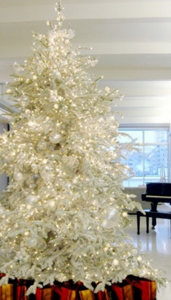 Silver-and-White-Christmas-Fairy-Tale-Inspirations_07 Christmas