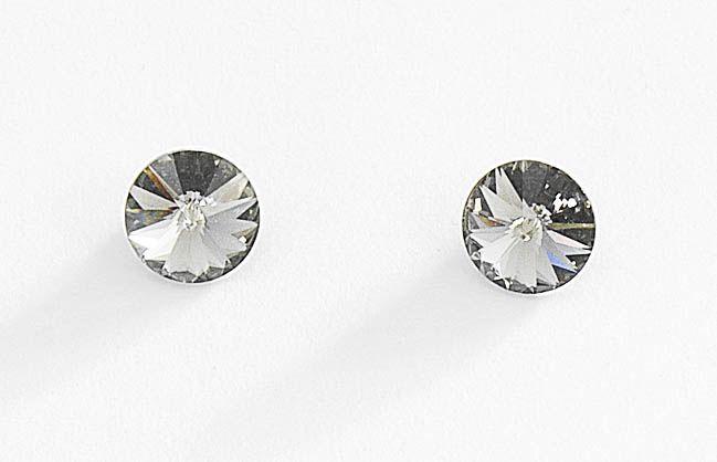 93616b26bf37 Aretes pequeños con piedras de cristal incrustados.  JOYERIANICE ...