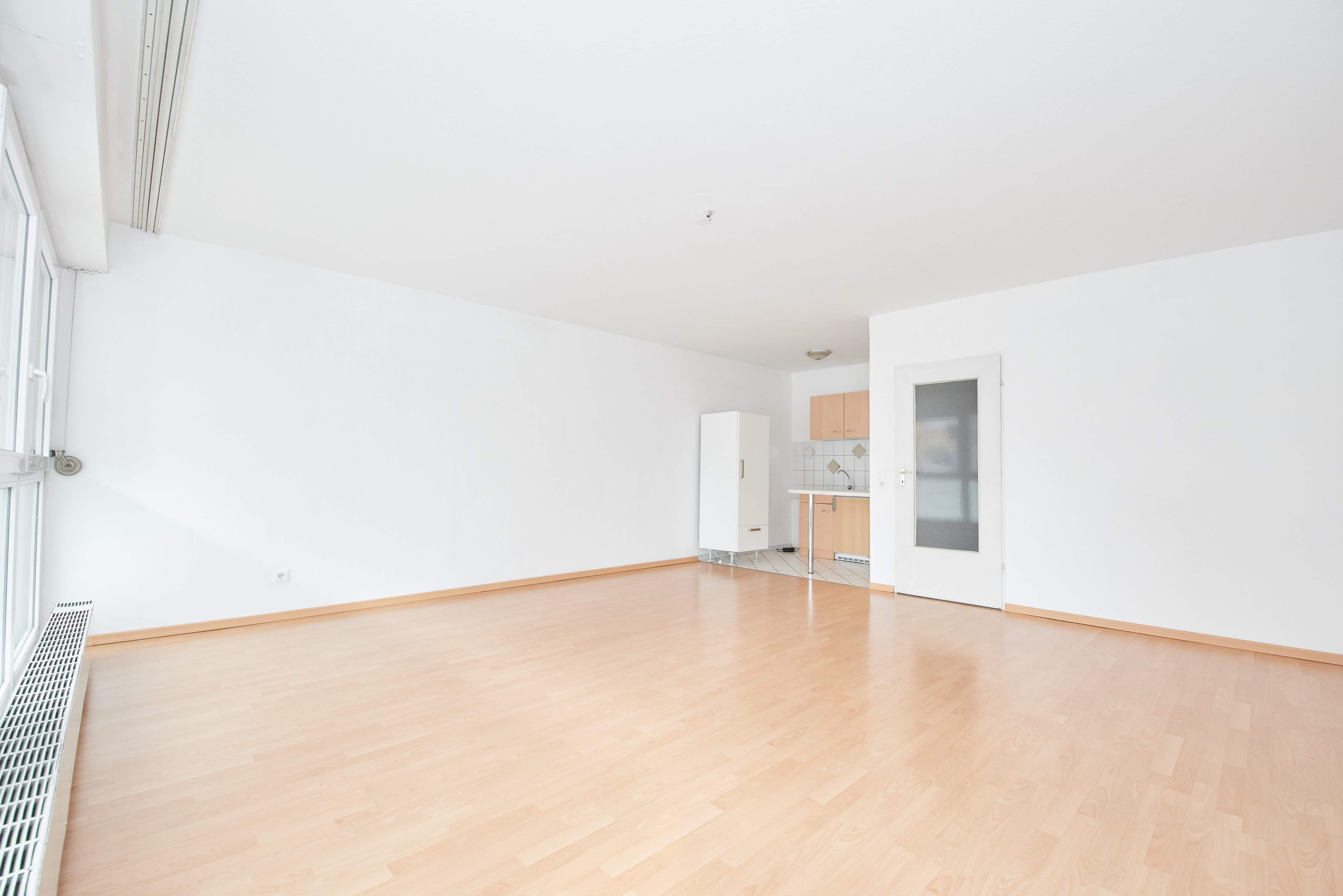 Das Bieterverfahren Der 1 Zimmer Wohnung In Der Karlsruher Oststadt Ist Beendet W4 Immobili Immobilien Immobilienmakler Gewerbeimmobilien
