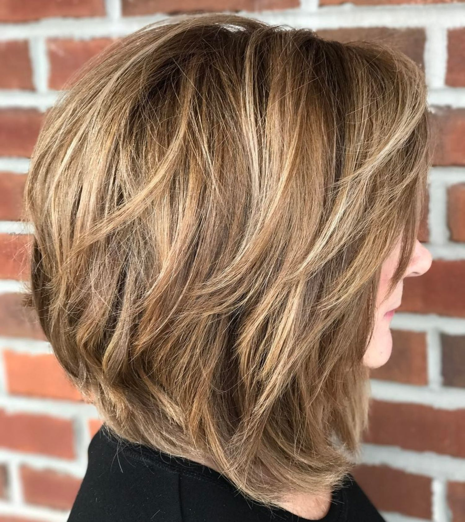 Honey Brown Bob With Medium Textured Layers Bob Hairstyles Thick Hair Styles Bob Hairstyles For Thick