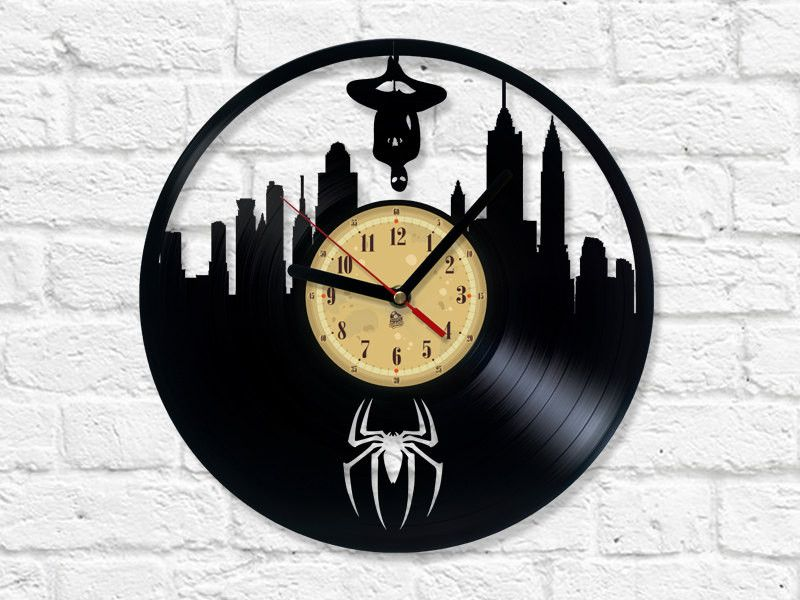 vinyl record clock spider man uhren. Black Bedroom Furniture Sets. Home Design Ideas
