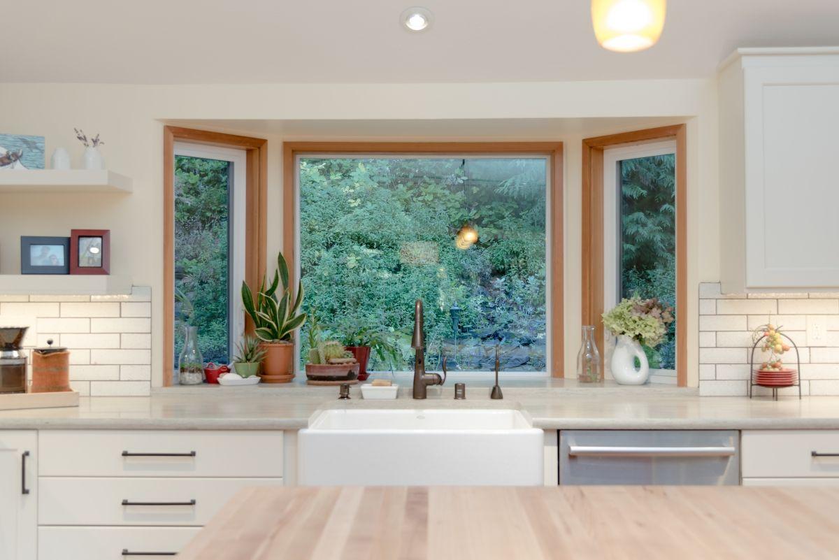 Modern Kitchen Garden Window