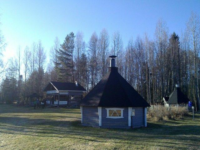 Koiteli Sauna. Saunatilat kauniilla paikalla Kiiminkijoen varrella. Suomi