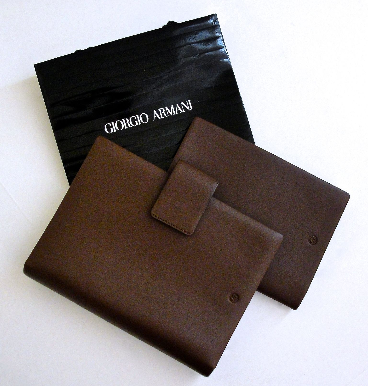 Giorgio Armani SET Leather Notebook Passport holder   wallet with card  holder   Luxury   Vintage Madrid a4fb11a79b