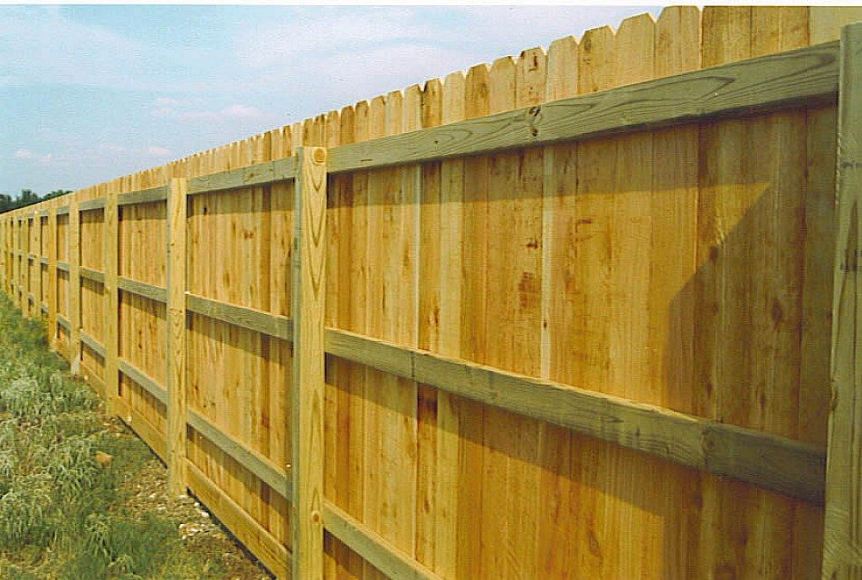 how to build a strong fence