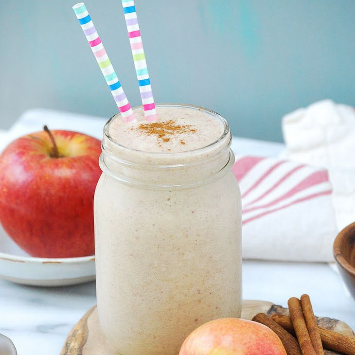 Apple Pie Smoothie Recipe Beverages with apples, coconut milk, ice, pitted date, cinnamon, vanilla extract