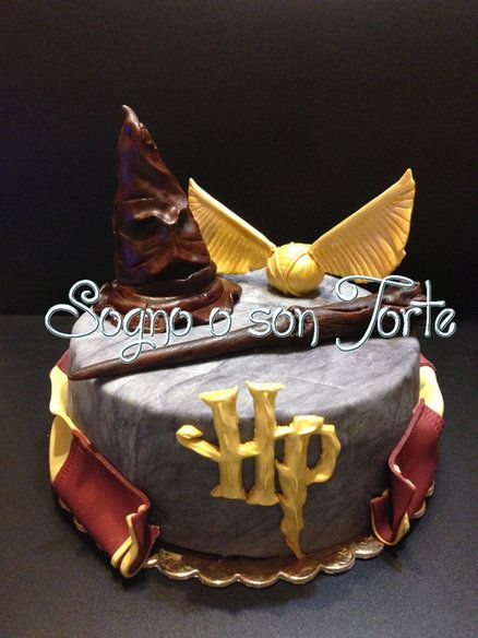 Harry Potter Theme Cake by SognoOSonTorte Harry Potter Cakes