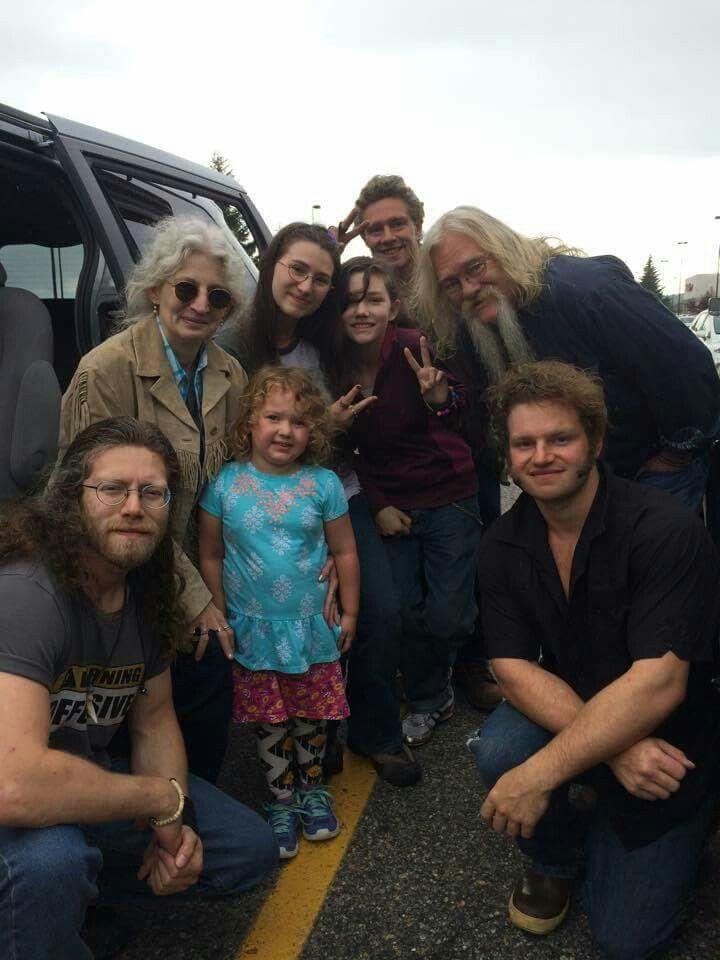 Idea By Jeweldean Harris On Brown Family Alaskan Bush People
