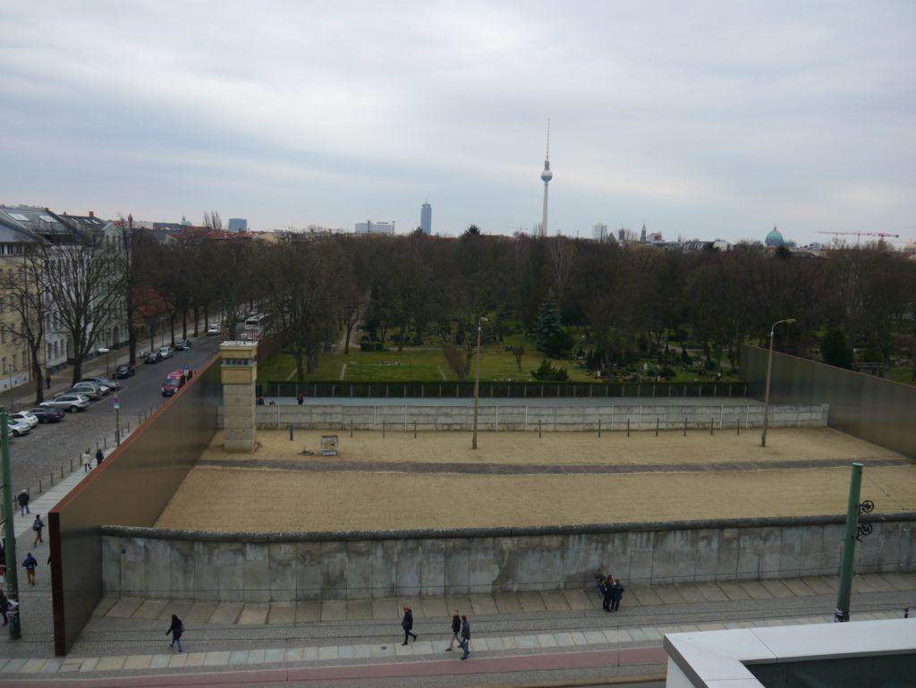 Todesstreifen Gedenkstatte Berliner Mauer Bernauer Strasse Berliner Mauer Berlin Must See Mauer
