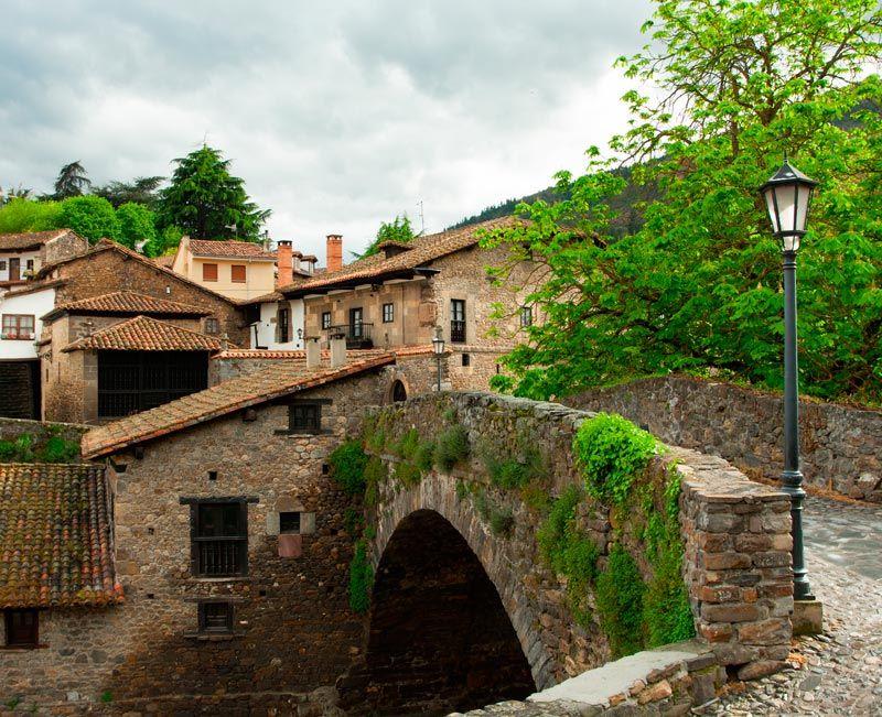 Rincones De Potes Buscar Con Google Lugares De España Viajar Por España Pueblos De España