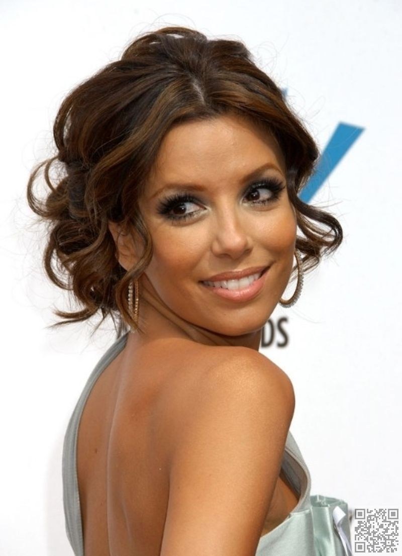 7 Hairstyles For Humid Weather So You Don T Feel Icky Eva Longoria Hair Hair Styles Short Hair Updo