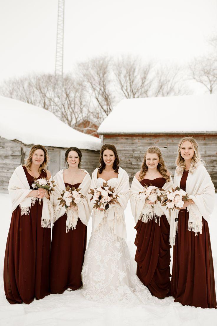 Manitoba Winter Wedding - Michael & Tasha #weddingbridesmaidbouquets