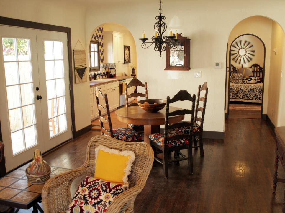 Hgtv First Look Vintage Flip Living Room Designs Hgtv Home Fix
