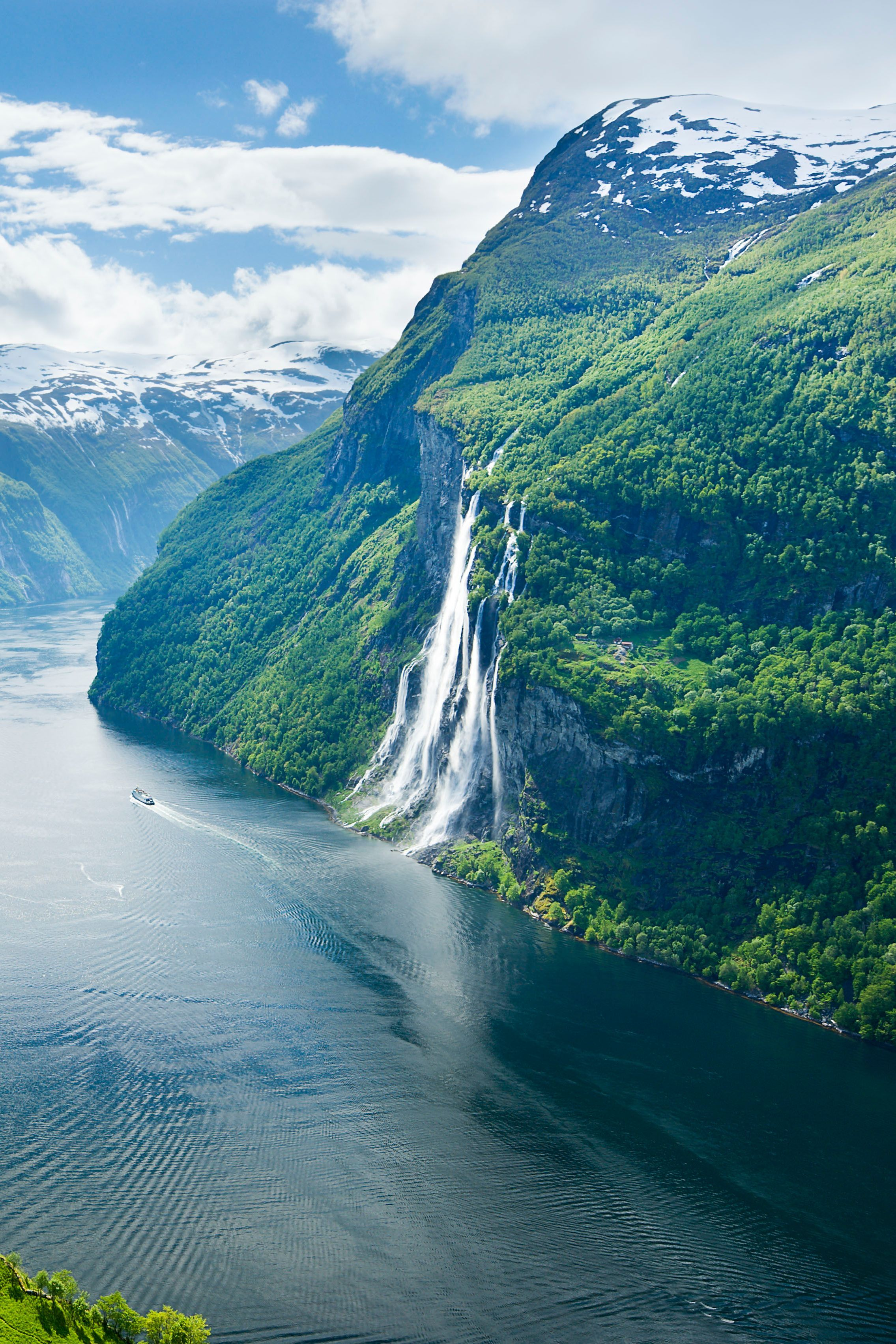 Geirangerfjord, one of Norway's most dramatic fjords, and the Seven Sisters waterfall, as shot by Justin Foulkes #norway #waterfall #fjord