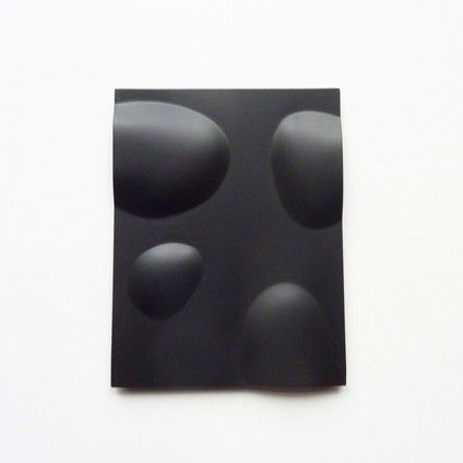 Therese Hilbert, brooch, 2012, patinated silver, gallerie ra