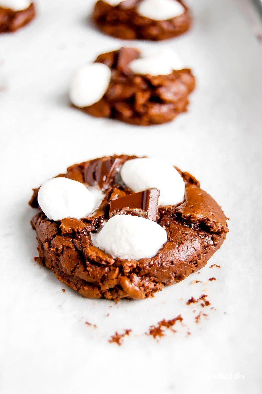 Hot chocolate mini marshmallow cookies #chocolatemarshmallowcookies