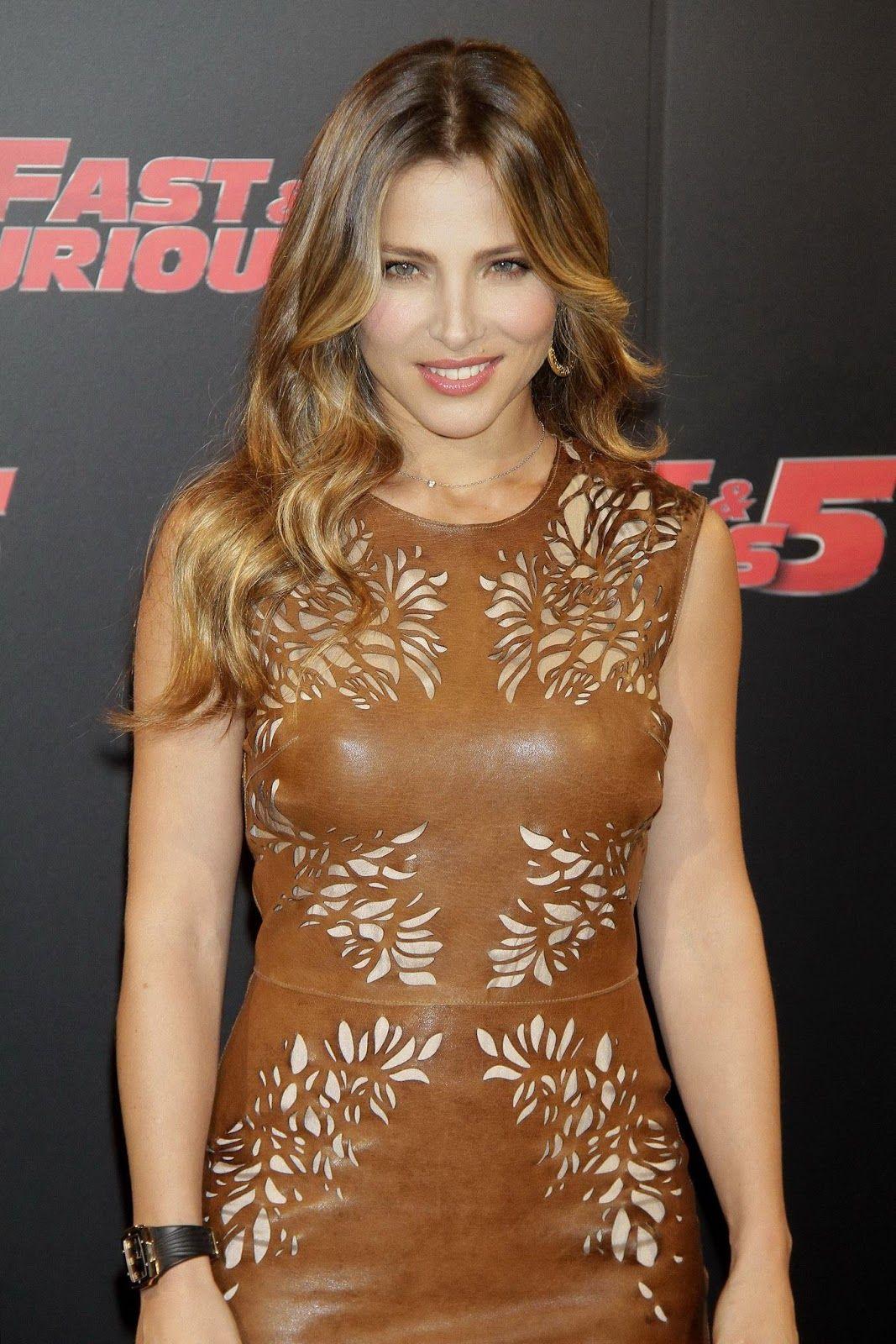Elsa Pataky bra size on actressbrasize.com http://actressbrasize.com/2013/11/21/elsa-pataky-bra-size-body-measurements/