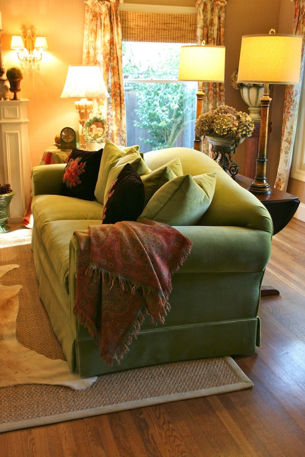 Comfy Green Velvet Couch Similar To The Style Dad Had Green Velvet Sofa Green Sofa French Country Family Room
