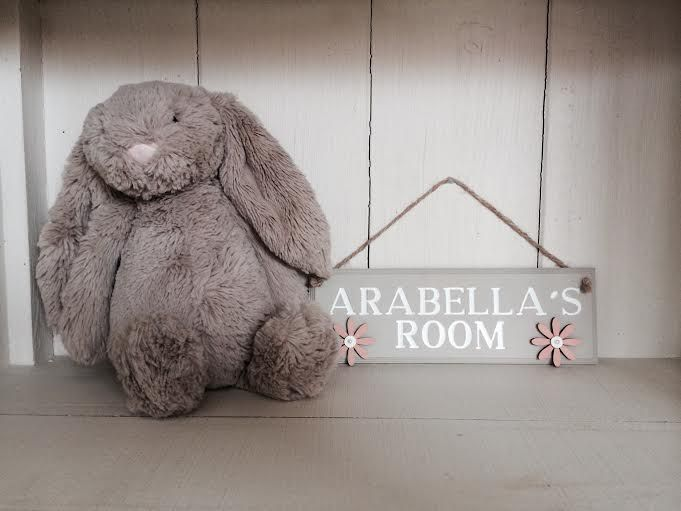 Little girls bedroom plaque. Peach flowers and pearls. £10.00