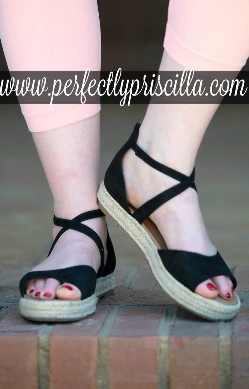 53202c91fa8c20 curvy  fashion  trendy  look  plussize  sandals  summer