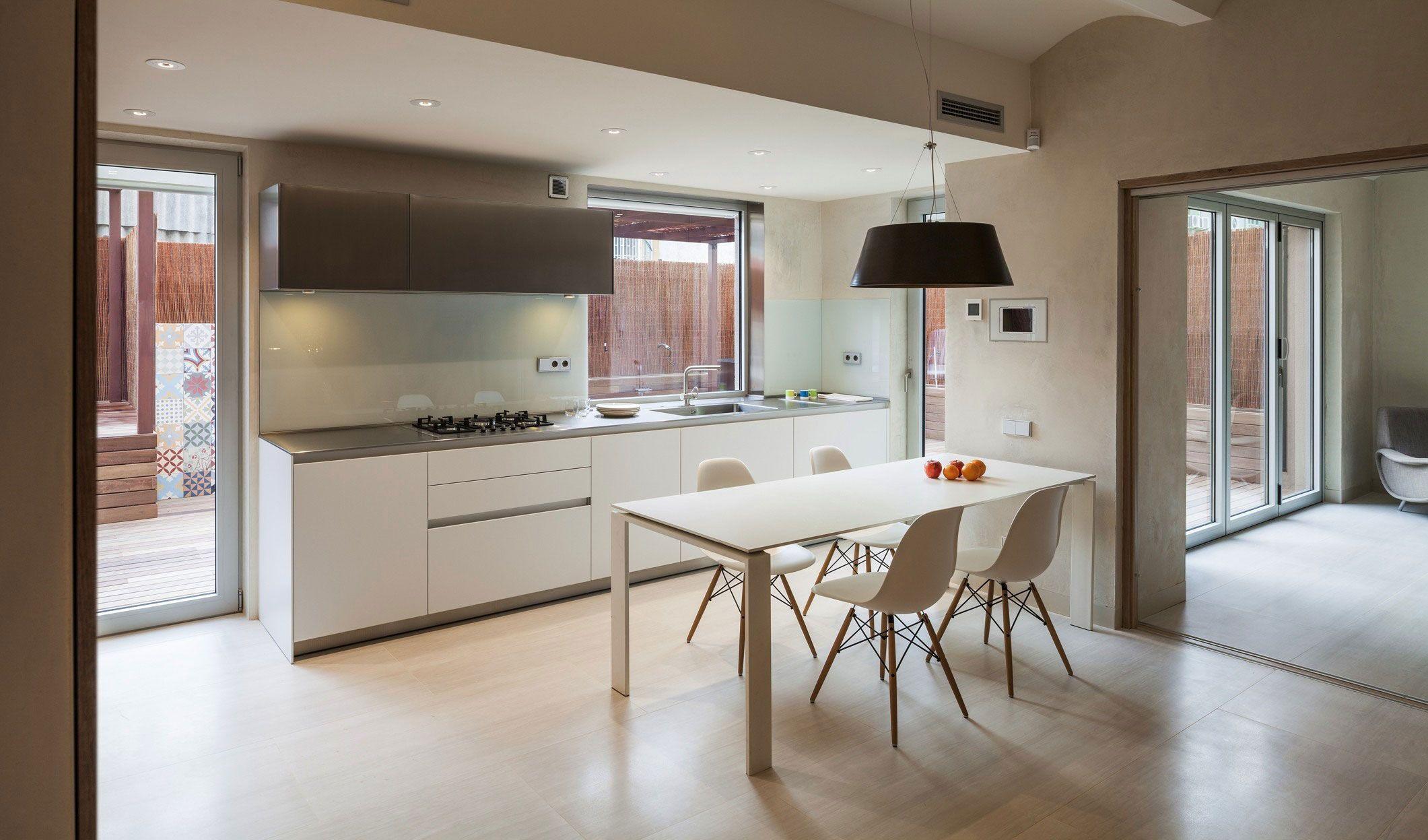 Ideen für die küche duplex in gracia by zest architecture   wohnen  pinterest  wohnen