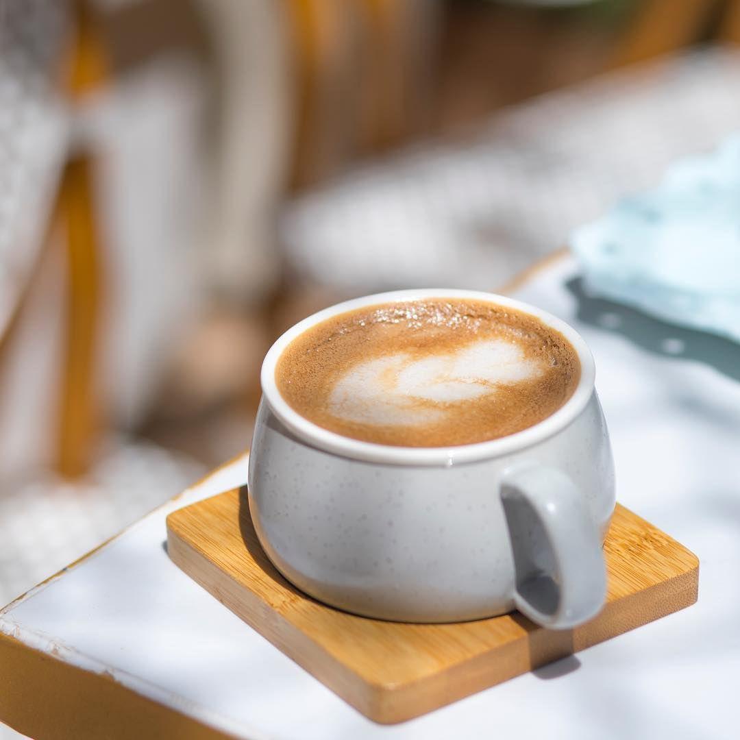 أرورا كافيه On Instagram وجزء من فوضى النهار يرتبه فنجان قهوة في المساء قهوه كوفي كفيات كفيهات الرياض حلى حلويات Tableware Glassware