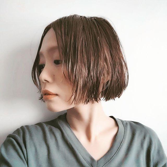 相性抜群 ウェットヘア 切りっぱなしボブの組み合わせが最高カワイイ