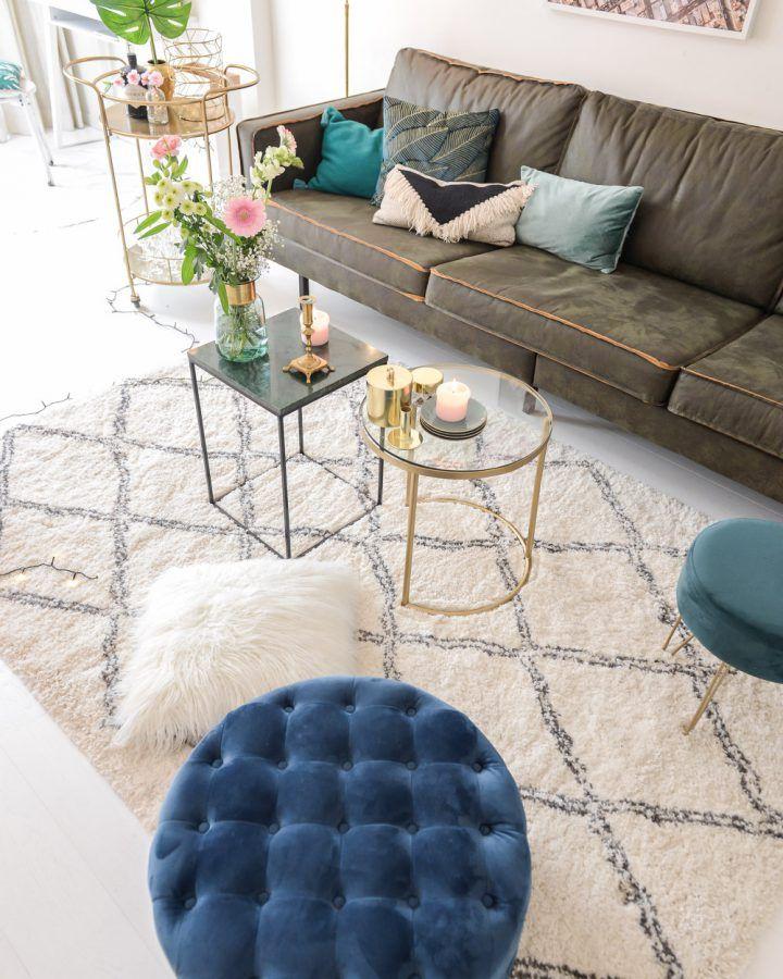 Gouden Accenten En Fluweel Voor Een Gezellige Woonkamer Living Room Designs Home Decor Interior