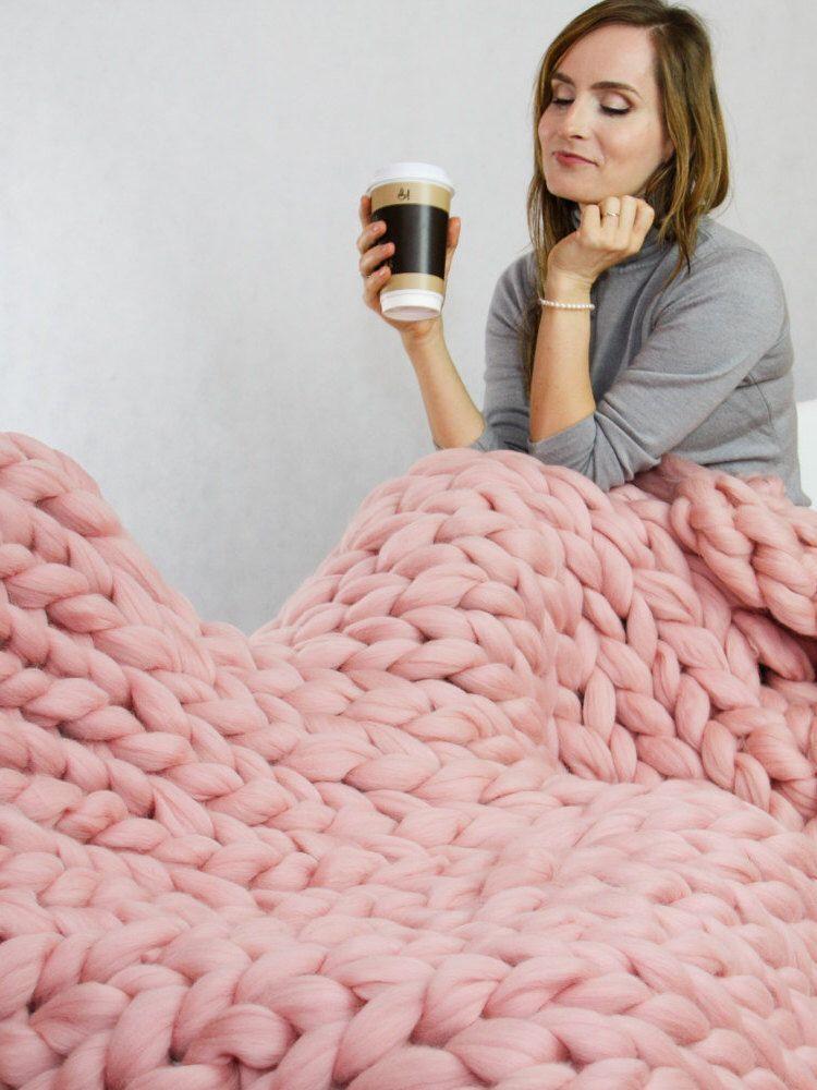 Photo of Chunky Knit Blanket Blanket Superbenzin Chunky Blanket Giant knit blanket Thick …