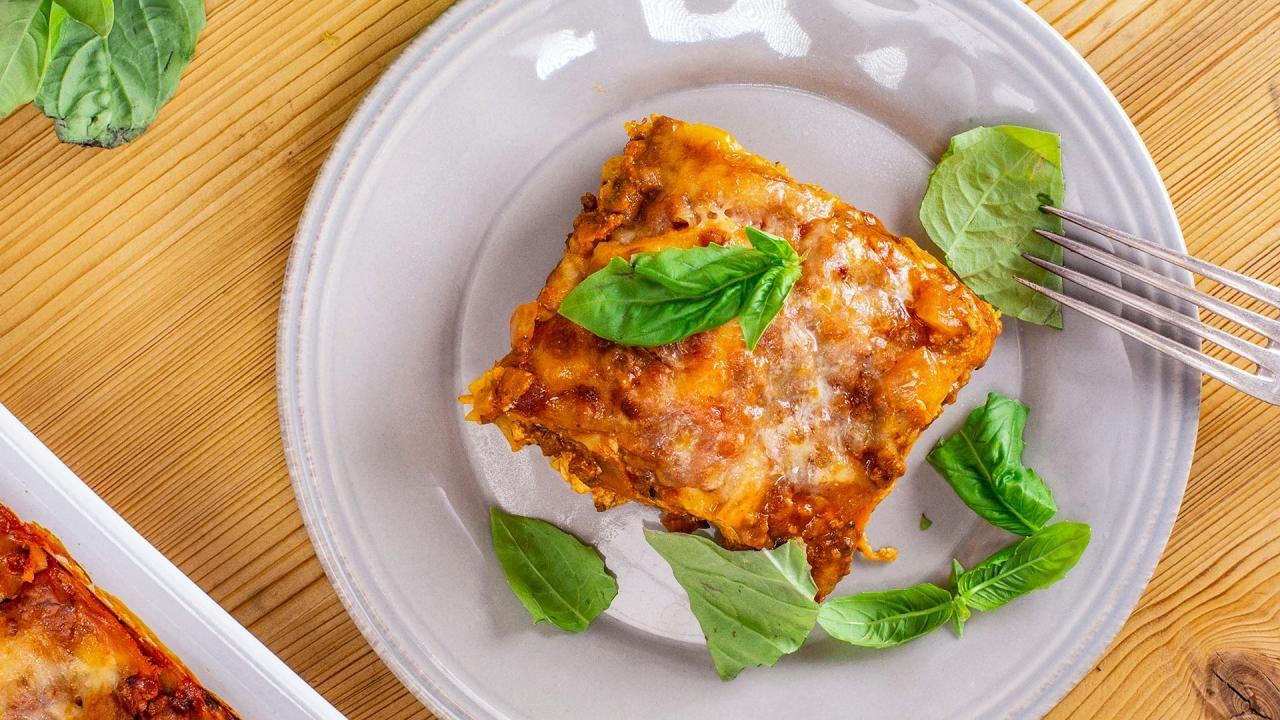 Valerie Bertinelli's Mom's Lasagna #valeriebertinellirecipes