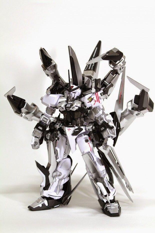 Custom Build: 1/144 Gundam Astray Silver Frame - Gundam Kits ...