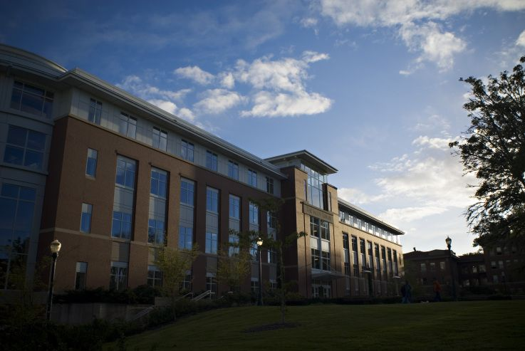 The Valley Library, which houses OSU Ecampus. (With images