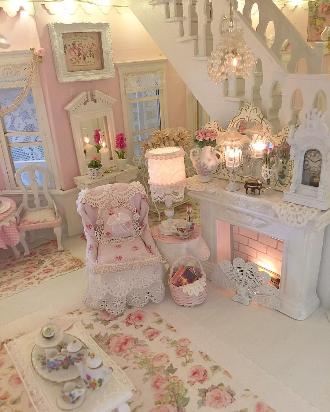 Pretty Pink (With images) Shabby chic lounge, Shabby