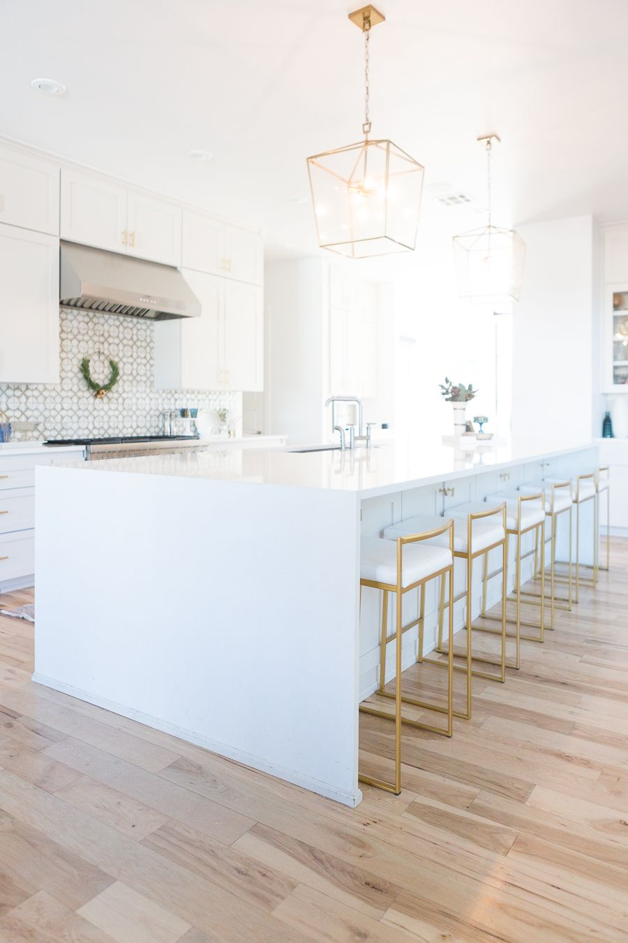 10 Affordable Gold Bar Stools for Home Design | Gold bar stools ...