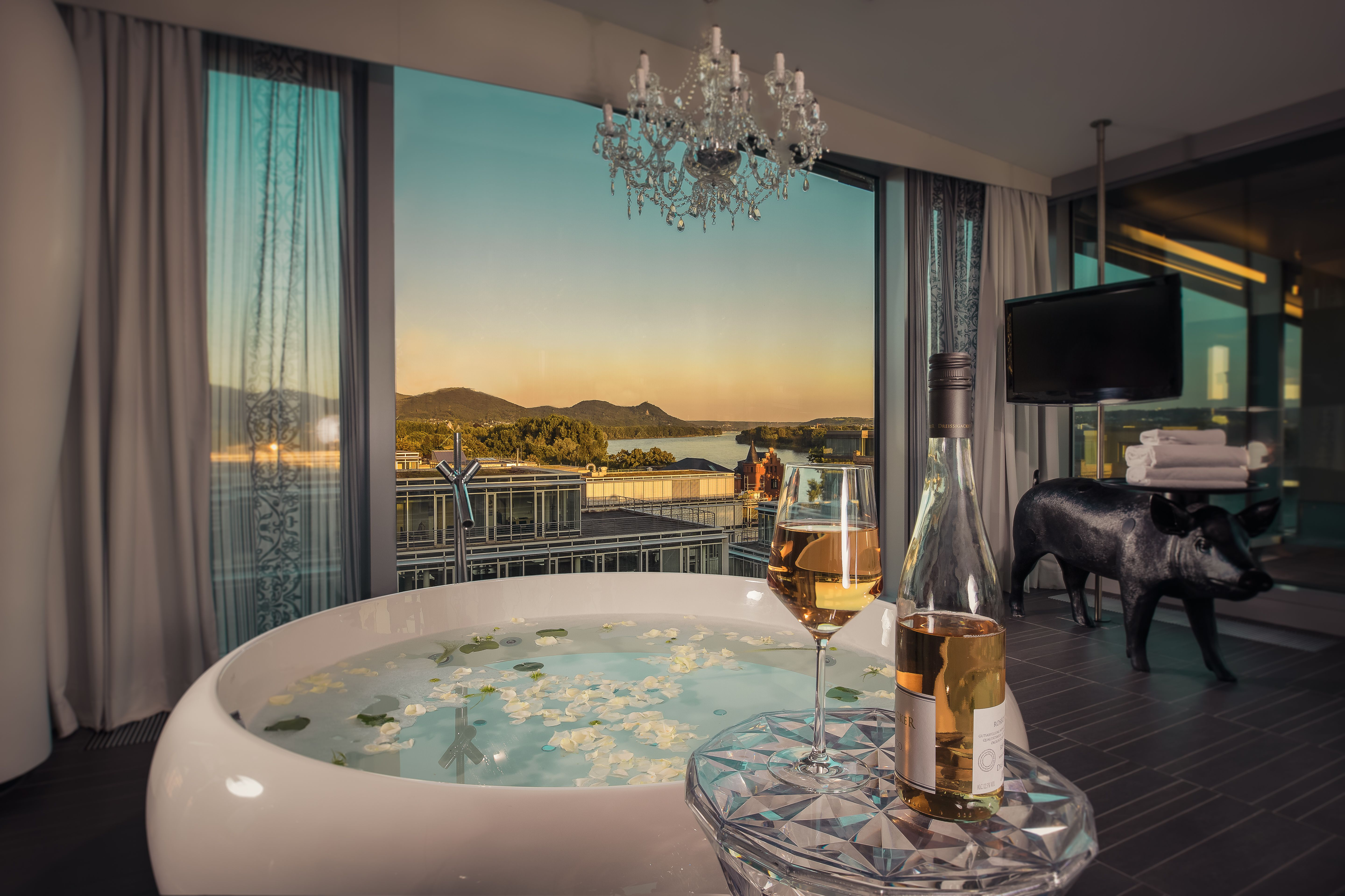 Bathtub With A View At The Kameha Grand Hotel In Bonn Germany Hotel Mit Whirlpool Minibar Jacuzzi